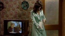 1. Подглядывание за девушкой из телевизора – Шоу Бенни Хилла