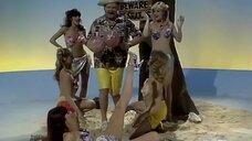 Секси девушки на райском островке