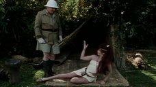 2. Сцена с горячей рыжей девушкой из племени – Шоу Бенни Хилла
