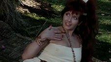 3. Сцена с горячей рыжей девушкой из племени – Шоу Бенни Хилла