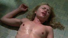 Групповое изнасилование Линни Куигли в туалете