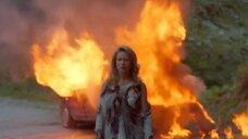 Катрин Николсон выходит из огня