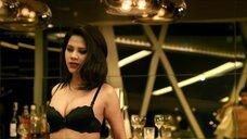 2. Горячий секс с Karnpitchar Ketmanee на столе – Mae Bia