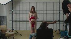 8. Ханна Кочевска позирует полностью голой – Сатана велел танцевать