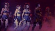Танец Кортни Тейлор в белье