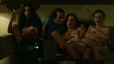 Сцена просмотра порнографии