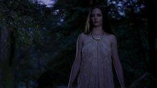 2. Ева Грин показывает голую грудь – Камелот