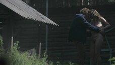 16. Эро сцена с Юлианной Михневич и Вероникой Мохиревой – Топи