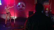 Горячая сцена в стриптиз-клубе