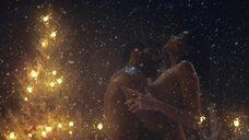 Секс с Лелой Лорен зимой в джакузи