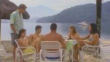 Элена Раналди, Дебора Секку и Каролина Дикманн в бикини на пляже