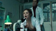 3. Секс сцена с Вероникой Лысаковой – Вампиры средней полосы