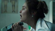 8. Секс сцена с Вероникой Лысаковой – Вампиры средней полосы