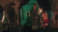 Проститутка топлес в халате