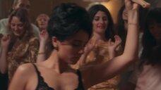 3. Раздетые девушки развлекают гостей – Мадам Клод (2021)