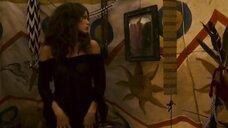 Наталия Авелон в прозрачном платье