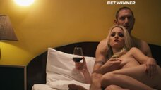 3. Обнаженная Michelle J. Wright после секса – Мотель «Интроспектум»