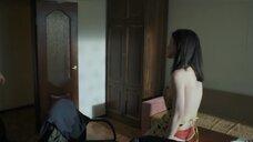 9. Полина Давыдова засветила голую грудь – Сержант