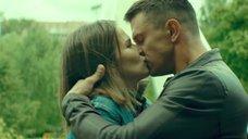 Поцелуй с Лукерьей Ильяшенко