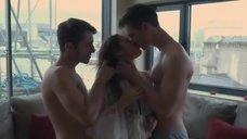 2. Групповая секс сцена с Бекки Флетчер – 50 оттенков Элис