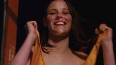 3. Обнаженная Лили Салливан в аквапарке – Псих (2012)