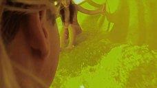 5. Обнаженная Лили Салливан в аквапарке – Псих (2012)