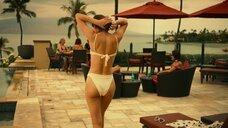 10. Александра Даддарио и Сидни Суини в купальниках – Белый лотос