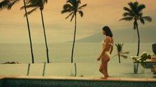 12. Александра Даддарио и Сидни Суини в купальниках – Белый лотос