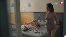 8. Анна Кузина засветила голую грудь – Пикник