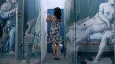 1. Анна Жимская и Нела Лучич в туалете – Любовь моя (2005)
