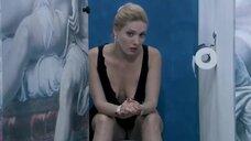 10. Анна Жимская и Нела Лучич в туалете – Любовь моя (2005)