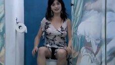 6. Анна Жимская и Нела Лучич в туалете – Любовь моя (2005)