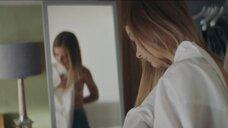 4. Елизавета Кононова засветила голую грудь – Соври мне правду