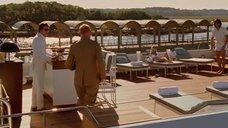 1. Дженьюэри Джонс в белом купальнике – Люди Икс: Первый класс