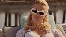 4. Дженьюэри Джонс в белом купальнике – Люди Икс: Первый класс