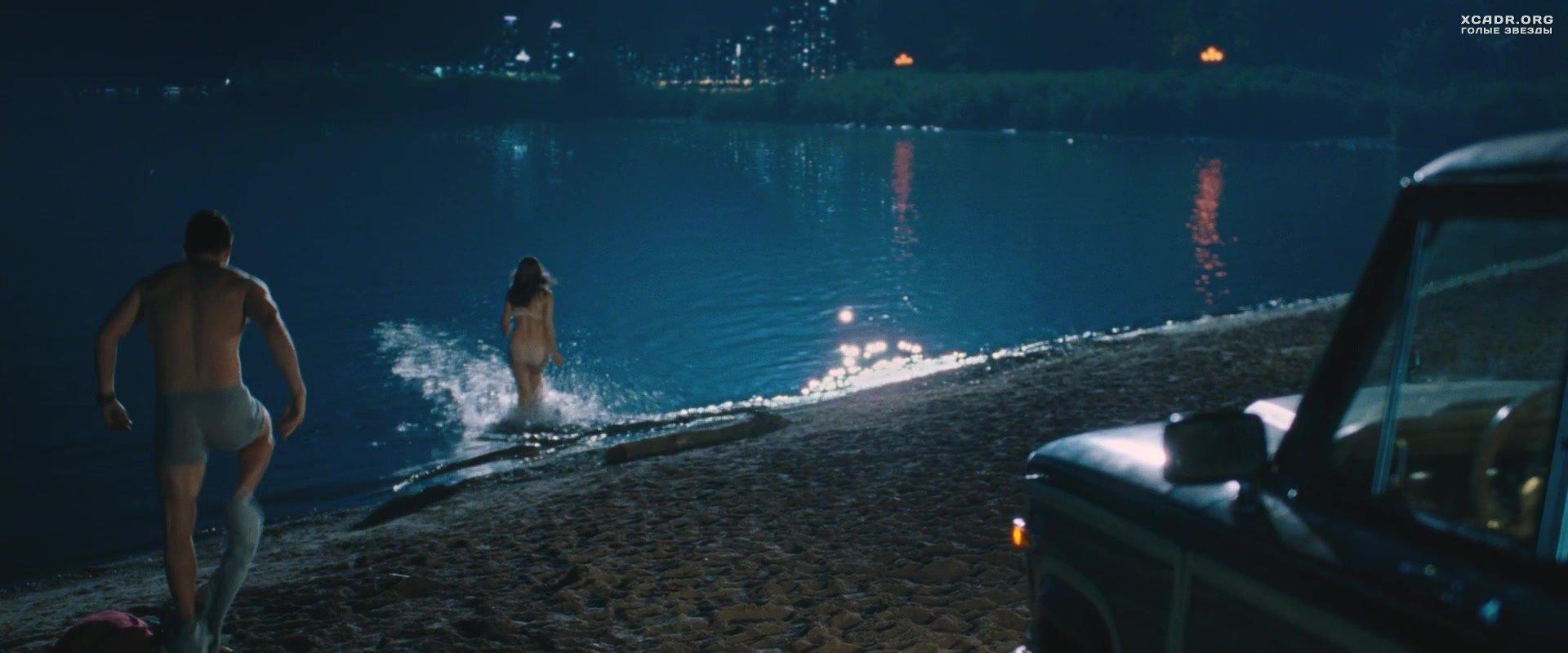 Эротические сцены в озере это