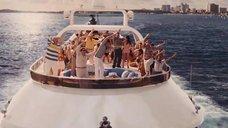 1. Вечеринка с проститутками на яхте – Волк с Уолл-стрит