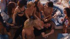 5. Вечеринка с проститутками на яхте – Волк с Уолл-стрит