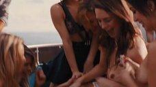 6. Вечеринка с проститутками на яхте – Волк с Уолл-стрит