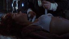 Джулия Робертс в белом лифчике