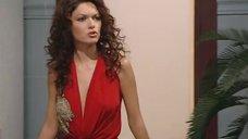 Юлия Такшина без лифчика