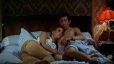 Джейн Биркин в постели