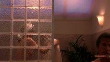 3. Шэрон Стоун засветила грудь – Перекресток