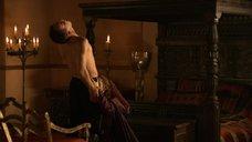 Пердита Викс делает минет королю