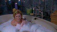4. Элизабет Бэнкс мастурбирует в ванной – Сорокалетний девственник