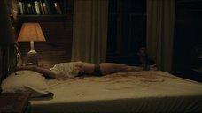 Роуз Лесли привязали к кровати