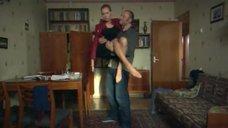 3. Прекрасные ножки Марины Петренко – Выхожу тебя искать 2