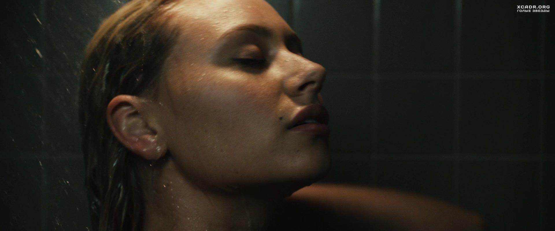 порно соседка по комнате видео