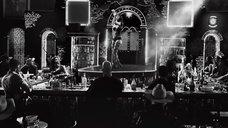 9. Стриптиз Джессики Альбы с оружием – Город грехов 2: Женщина, ради которой стоит убивать