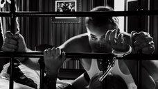 8. Быстрый секс с Джуно Темпл – Город грехов 2: Женщина, ради которой стоит убивать